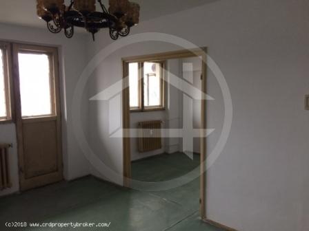 Apartament cu 3 camere, zona Valea Ialomitei, Drum