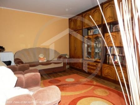 Vanzare apartament 3 camere, decomandat, Chilia Ve