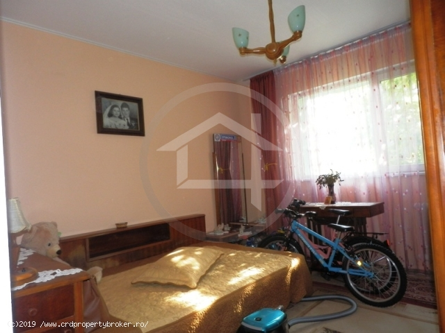 Dormitor mijlociu apartament 4 camere Drumul Taber