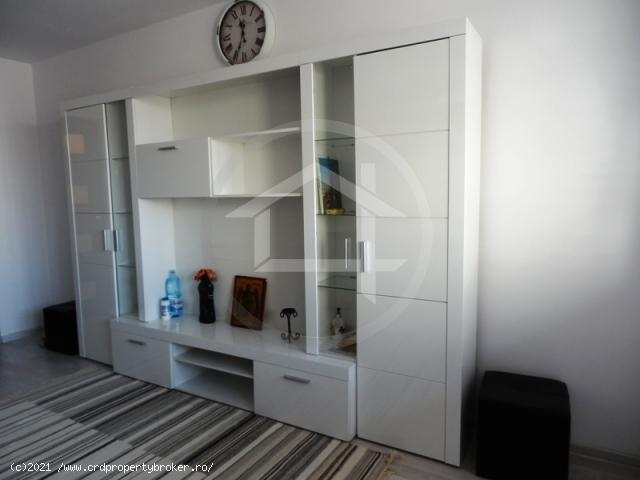 Apartament 3 camere, Plaza