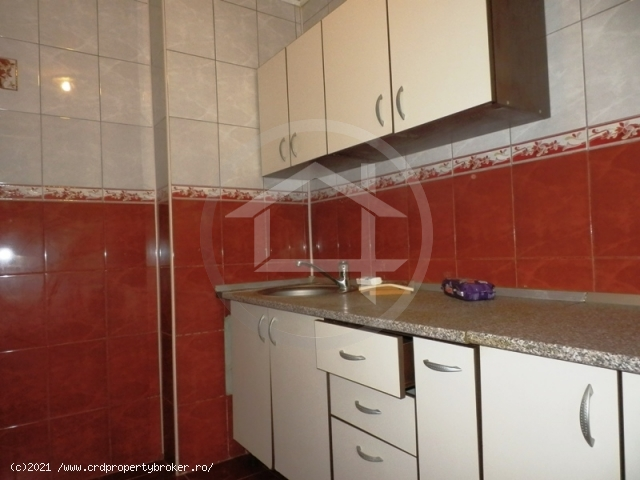 Vanzare apartament 2 camere, zona Romancierilor